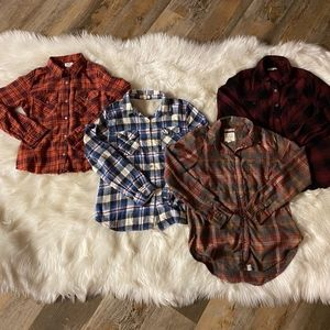 LOT OF 4 WOMEN'S GIRL'S BUTTON DOWN FLANNEL SHIRTS